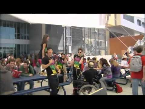 Glee 2.01 B-Roll (видео)