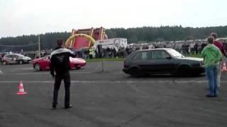 Golf 2 vs Ferrari 430 – miazga już od startu :)