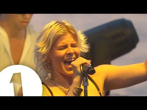 Robyn - Radio 1 In Ibiza 2018 - Café Mambo | FLASHING IMAGES