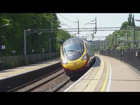 Virgin Trains 'Pendolino' tilts through Berkhamsted (6/6/16)