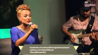 Su Soley - Locked Out Of Heaven (Bruno Mars Cover) / #akustikhane #GarajKonserleri