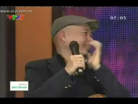 Nhạc sĩ Huy Tuấn thể hiện ca khúc Trưa Vắng