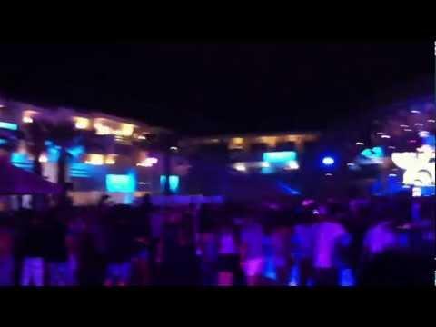 Luciano @ Ushuaia, Ibiza 2011-08-25 #07