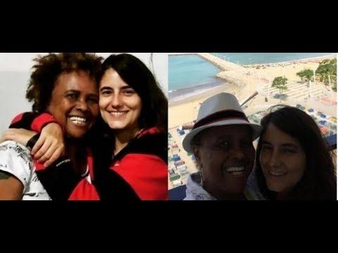 Imagens de felicidade - 'Estamos juntas e felizes'  Sandra de Sá fala do namoro com Simone Malafaia