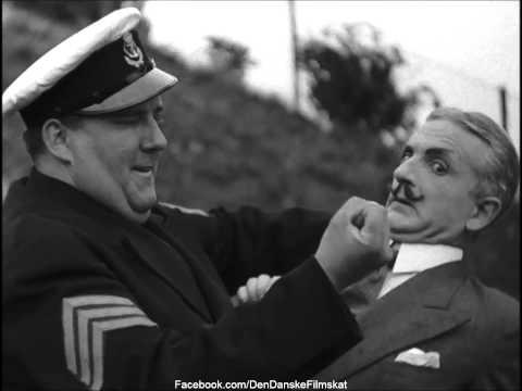 Flaadens blaa Matroser (1937) - Olsen sætter hypnotisøren på plads..