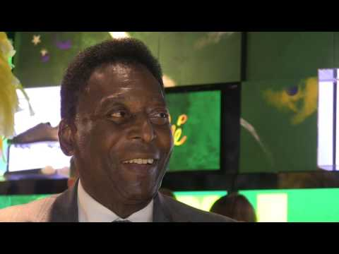 Pele compares CR7 and Messi, wishes Mourinho luck at Man Utd (видео)