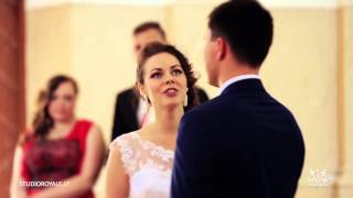 Bride Gives the Most Incredible Wedding Surprise