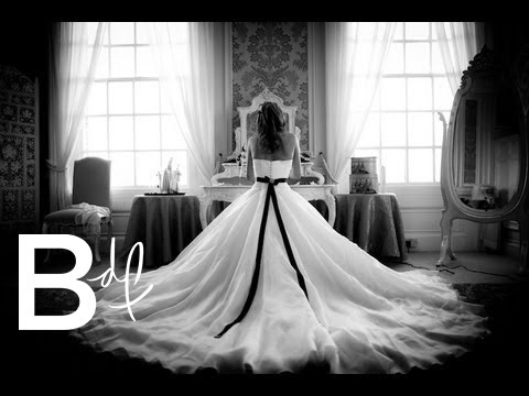 Wedding Photo FAQ's & Meet My Photographer!