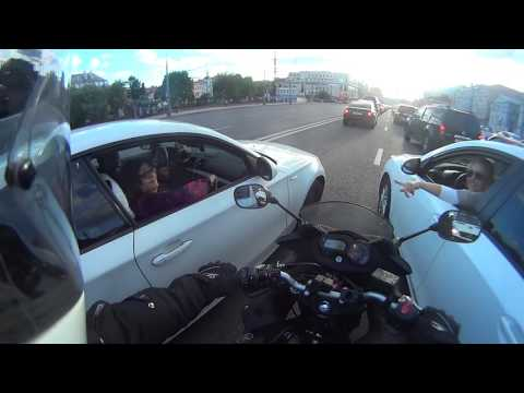 The weirdest situation a lane splitting motorcycle has been in!