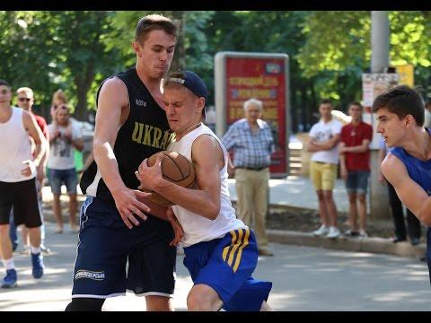 Видео игр плей-офф категории U18 турнира ''Nikolaev Streetball Cup''