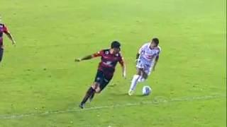 Aqui el penal pateado por la estrella brasileña Neymar que quizo imitar al Loco Sebastian Abreu y al fin no loro igualarlo.