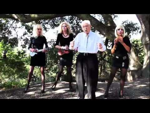 Addicted to Love – Robert Palmer cover by Raymond Penfield (94 Y.O.!)