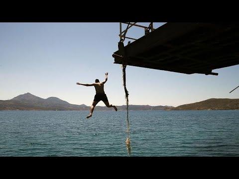 Ελλάδα: Πυρετώδεις προετοιμασίες για τον τουρισμό