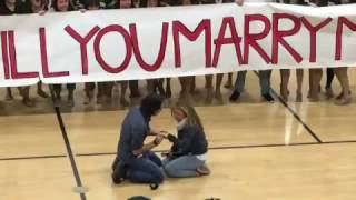 Video Just When Flash Mob Proposals Couldn't Get Any Cuter – Here's the One That Topped The Charts MP3, 3GP, MP4, WEBM, AVI, FLV Agustus 2018