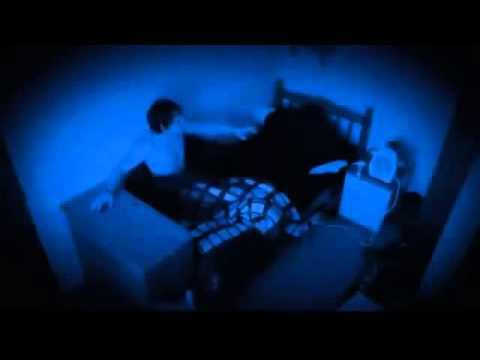 video notturno riprende gli strani fenomeni di una casa, sarà vero?
