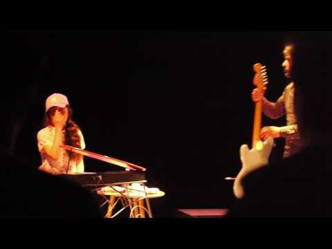 Mami Chan et Pascal Moreau - La Fermeture Eclair