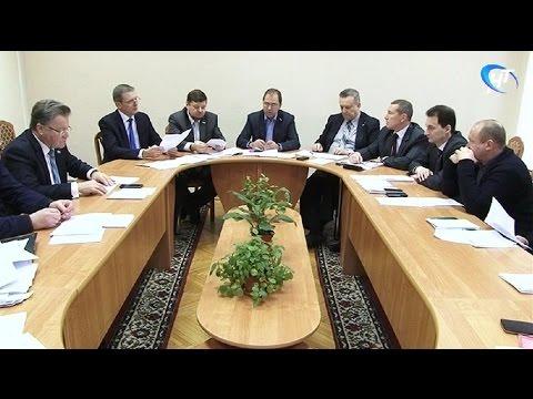 Депутаты городской Думы готовятся к внеочередному заседанию, намеченному на пятницу