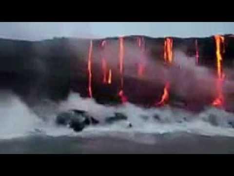 Lava e água do mar se encontram (видео)