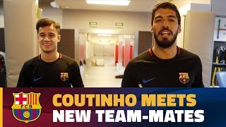 Download Video Philippe Coutinho meets his new team-mates MP3 3GP MP4