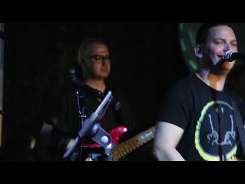 St. Louis Band Belgrade - Funk Soul Brother (Fat Boy Slim Cover)