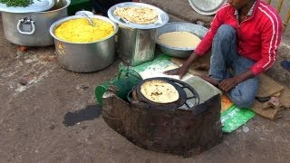 Video Indian Street Food in Old Delhi - Gali Paranthe Wali, Naan Bread and Spice Market MP3, 3GP, MP4, WEBM, AVI, FLV September 2017