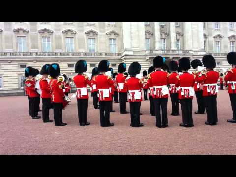 Queens Guards Belt Out