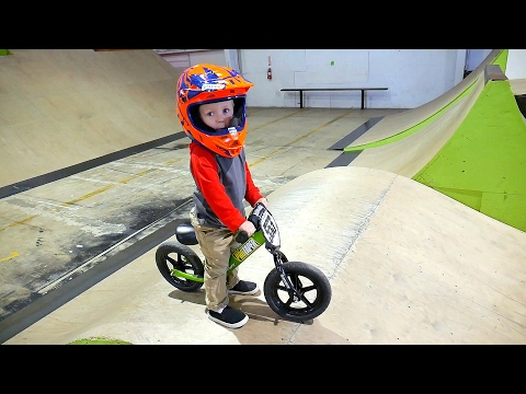 INSANE 2 YEAR OLD BMX TRICKS! (видео)