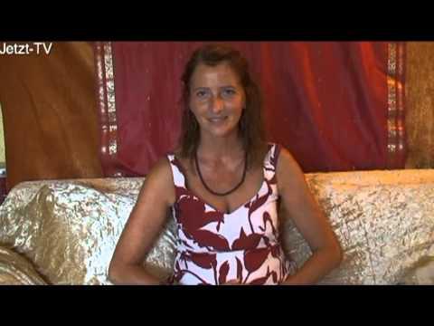 weibliches - Dieses Interview mit Mayonah, eine der Initiatorinnen vom Frauenkongress, führte Devasetu im August 2011 (Jetzt-TV, Majonah, Interview01). Mayonah als spirit...