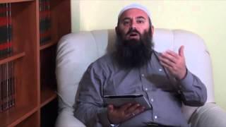 A mundet femra me të përmuajshmit të lexon Kuran -  Hoxhë Bekir Halimi