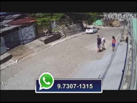 Câmeras flagram assalto no bairro de Dois Unidos, no Recife