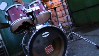 Video ThE Paid - Live in front of Zbraslav Garage - Jun 2011 - jam #1
