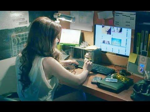 美女深夜加班时,却在办公室里自拍,老板竟对她做这么可怕的事儿!