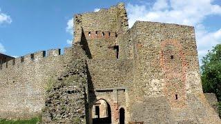 http://videoturysta.eu [CZ] Helfštýn je jedním z největších hradů v České republice, který se nachází v Týně nad Bečvou, u Lipníka...