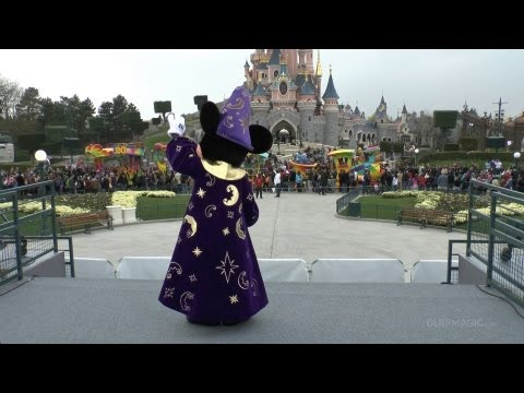 dlrpmagicvideo - Disney's 20th Anniversary Celebration Train Premiere by http://www.dlrpmagic.com: Disneyland Paris at the click of a mouse! Mickey Mouse steals the show as h...