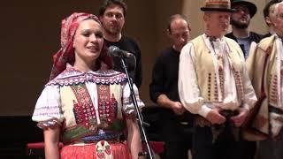 Video PRAHA-Píseň Teče, voda teče...závěr koncertu, který zvedl diváky k bouřlivému potlesku MP3, 3GP, MP4, WEBM, AVI, FLV November 2018