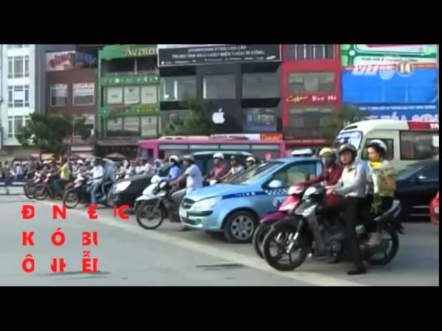 Dự thi tập thể ATGT-Trường THPT Chuyên Hùng Vương,Gia Lai