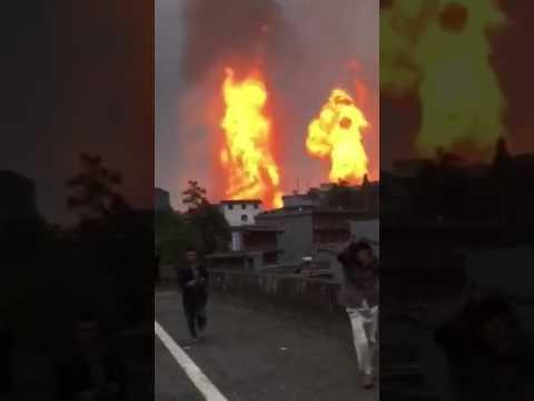 Nổ đường ống khí đốt, tường lửa bao vây ngôi làng Trung Quốc
