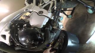 5. MaksWerks Garage - 2001 Yamaha YZF R1 Build