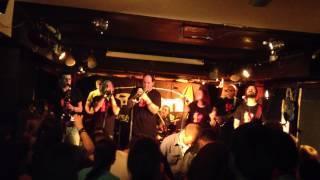 Video Definitivní Ententýk - Rockový odznáček (Klub Vagon, Praha)