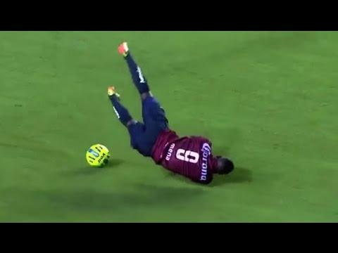 #Tente não rir Futebol comédia | Os momentos mais engraçados