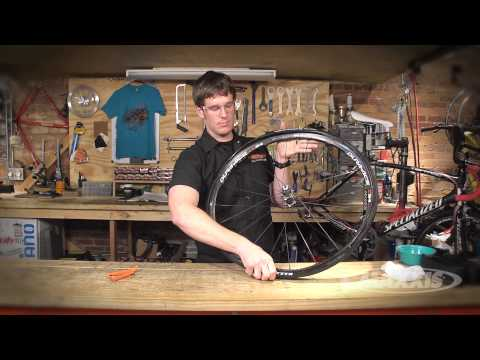 Mounting Tubeless Road Tires