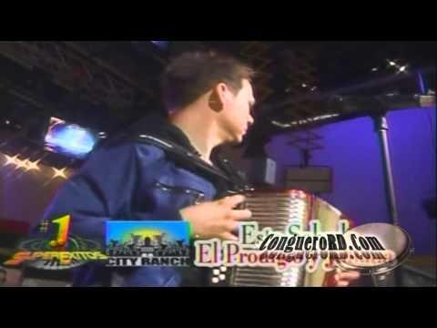 """El Prodigio – La Morenita """"En Vivo"""" (July 8, 2011)"""