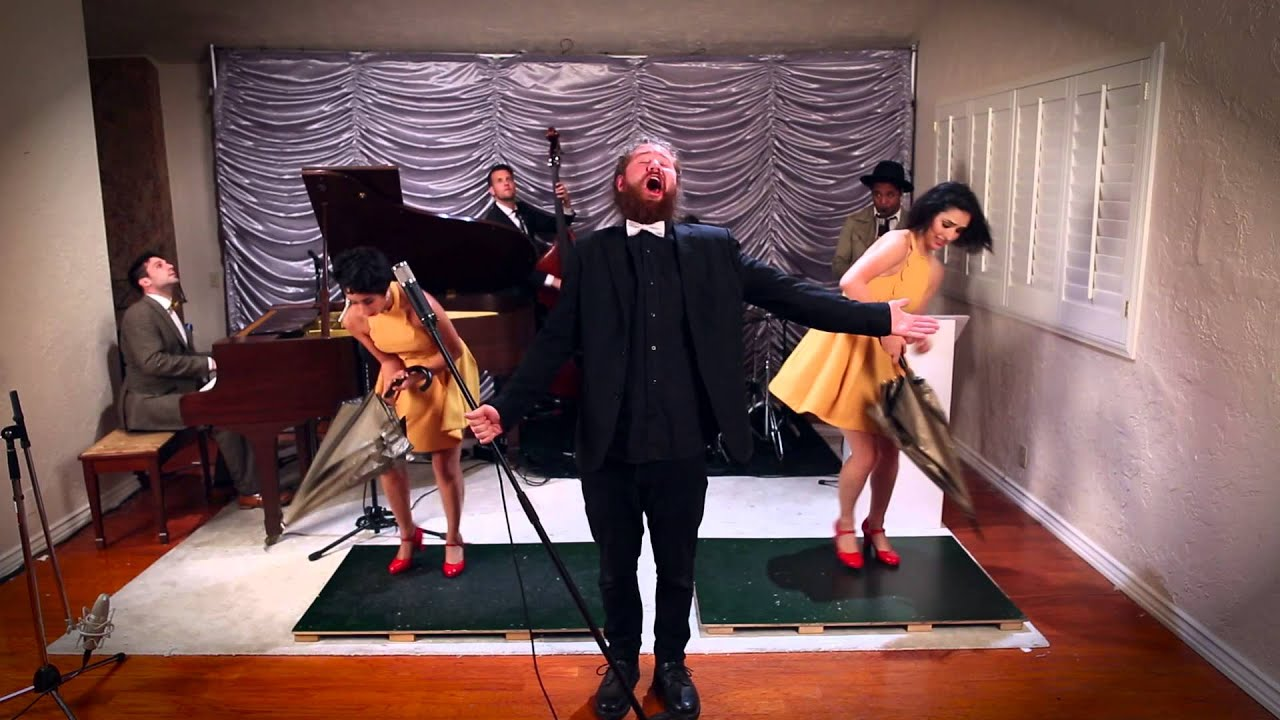 "Umbrella – Vintage ""Singin' in the Rain"" Style Rihanna Cover ft. Casey Abrams & The Sole Sisters"