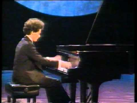 Evgeny Kissin - incredible classical pianist!!