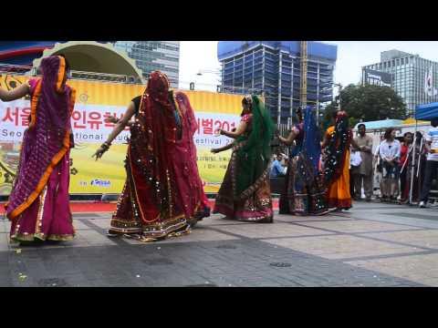 Nagada Sang Dhol Baje 720P Video Download