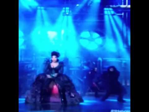 Classic Mary J. Blige as Evilene in The Wiz Live