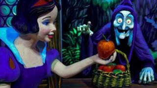 ♥♥ Snow White's Scary Adventures at Walt Disney World (in HD)