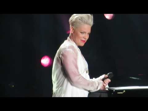 "P!NK W/ Chris Stapleton - ""Love Me Anyway"" - Madison Square Garden - May 21, 2019"