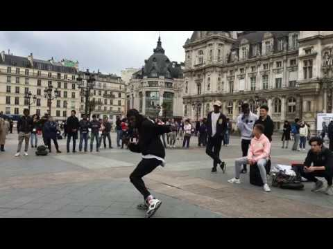 Salif Lasource Dances on Michael Jackson Song On Street