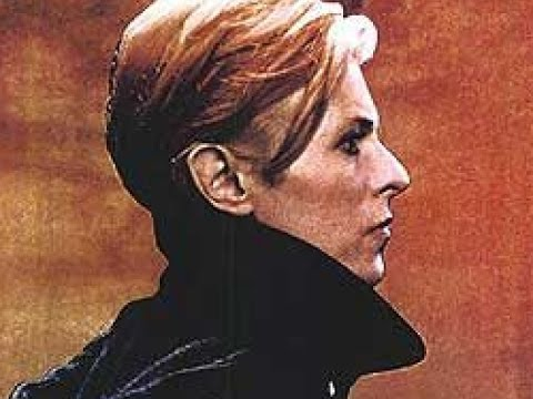 The Man Who Fell To Earth (1976) Movie Review and Film Discussion